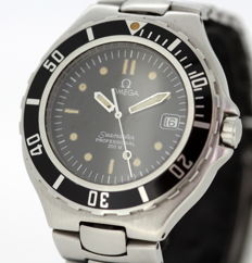 Omega Seamaster - Men's  Wristwatch, Circa.1980's