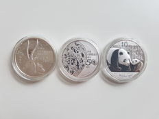 China – 10 Yuan and silver medal 2011 (3 coins) – 3 x 1 oz of silver