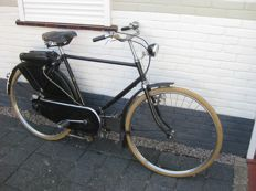 Excelsior bicycle with Mosquito auxiliary engine - ca. 1950