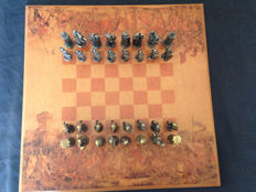 Chess set, 50 x 50: Christendom against the Arab world, in bronze