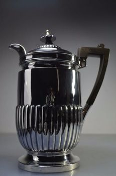 Silver tea pot 925- Goldsmiths & Silversmiths Co Ltd - London - 1903