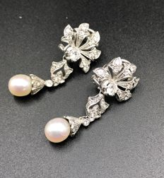 Earrings with diamonds and pearls, Liberty period, 1910-1920, hand-crafted in Italy