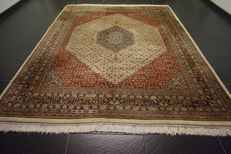 Luxurious hand-knotted oriental carpet, Indo Bidjar Herati wih medallion, 240 x 305 cm, made in India