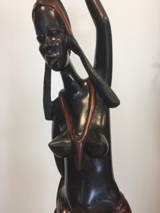 Wood carving, lady from the Gambia