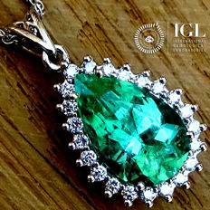 Emerald Pendant With Necklace COLOMBIAN gemstone in 18 kt white gold 3.06 ct - Certified - No Reserve