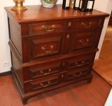 A Jacobean oak chest of drawers - English - 18th century
