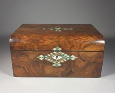 Mahogany veneered Tunbridge ware trunk with mother-of-pearl inlays - England - second half 19th century