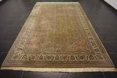 Luxurious hand-knotted oriental carpet, Indo Bidjar Herati wih medallion, 190 x 300 cm, made in India