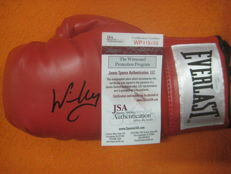 Everlast Boxing glove signed by Winky Wright with JSA certificate.