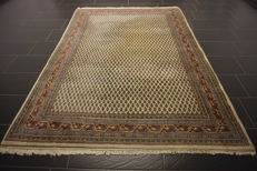 Magnificent hand-knotted oriental palace carpet, Sarough Mir, 170 x 245 cm, made in India, best highland wool