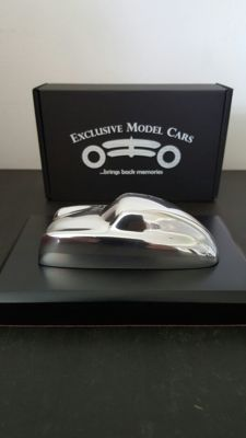 Sculpture in scale 1/43 from Automotive Artist STÉPHANE Dufour – Porsche 356