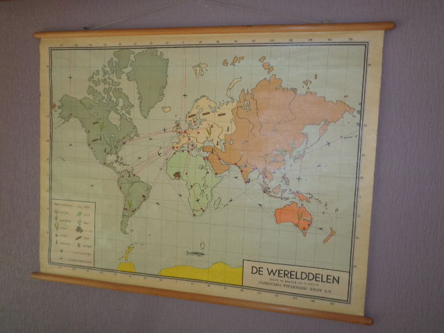 Old school poster world map on linen by w bakker h rusch old school poster world map on linen by w bakker h rusch continents gumiabroncs Choice Image