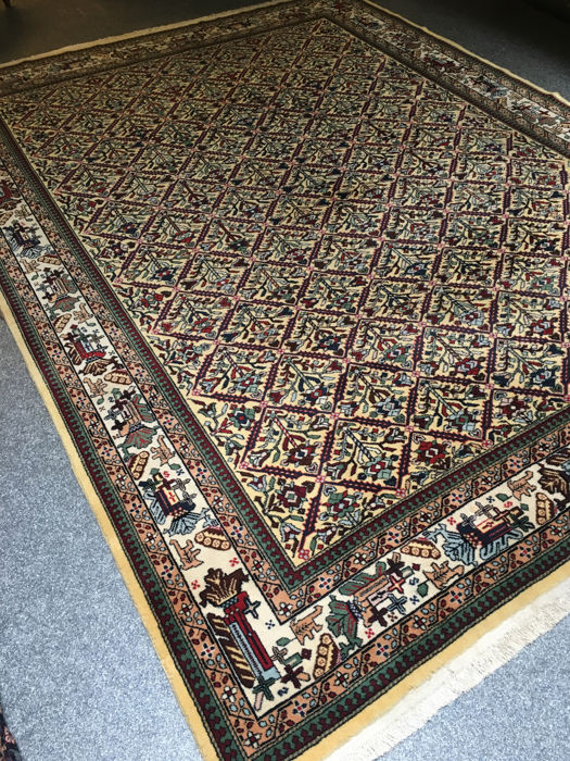 Wonderful, hand-knotted, original Persian Azerbaijan with plant-based colours! Approx. 247 x 340 -in top condition and signed! Free shipping to Europe!