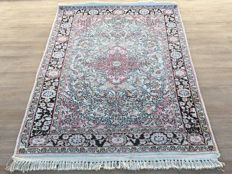 SILK CARPET – KASHMIR SILK – oriental carpet – approx. 149 x 95 cm – with certificate of authenticity