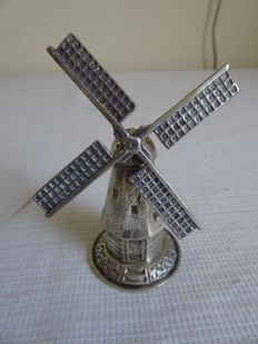 Beautiful Dutch silver mill, can probably be used as a caster