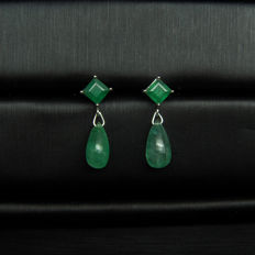 18K gold earrings with 3.763ct of emerald