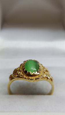 18 kt yellow gold, handmade ring set with Aventurine/ring size 17