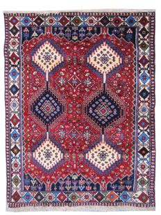 Pretty Eastern Persian Abadeh carpet - handmade - 105 x 144 cm.