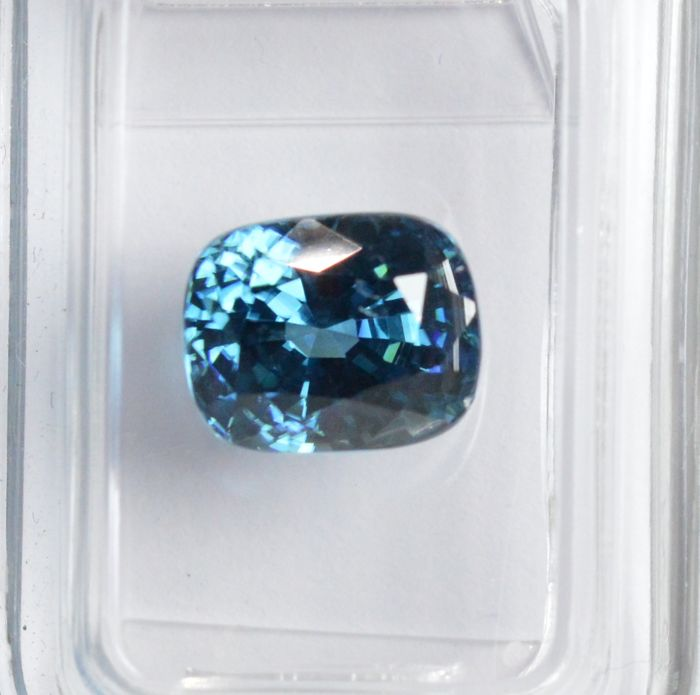 Blue Zircon - 4.76 carats - No reserve price