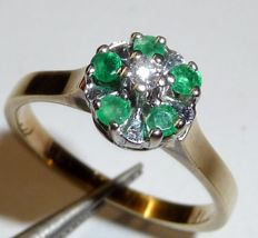 14 kt / 585 gold ring with 5 emeralds and 1 diamond, size 53 / 16.9 mm – adjustable