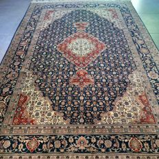 Magnificent, finely knotted Tabriz Mahi rug – 280 x 188 – very good condition