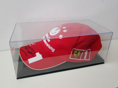 Michael Schumacher - Original limited edition Ferrari Cap 2003 - hand-signed in OP display case + COA