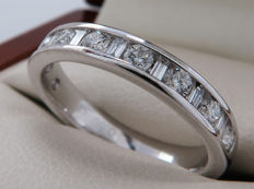 Certified, 18 kt white gold, diamond, half eternity ring with 0.50 ct - Ring size: 16.10 mm **No Reserve price**