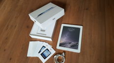 Apple iPad 3, 16GB White (A1416)  + Original box with chargercable, etc.