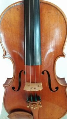 Old 4/4 violin with labeled Dominicus Montagnana