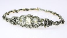 Charming gold and diamond bracelet - anno 1960