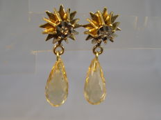 Star gold earrings with diamonds 0.02 ct and citrine pendeloques 5.0 ct.