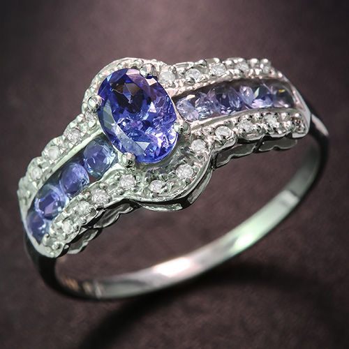 14kt Gold Ring with Tanzanite - 7 (US) - No reserve price