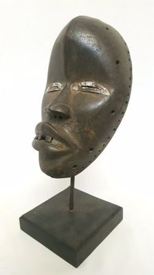 Running mask - DAN - Ivory Coast