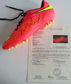 "Wayne Rooney 2014 World Cup Signed Nike ""Hypervenom cleat"" - 2014 World cup Rio de Janeiro - With COA JSA -"