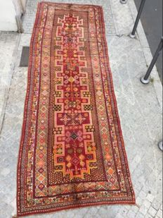 Gorgeous hand-made Moroccan Berber long hall-runner carpet - 175 x 520 cm