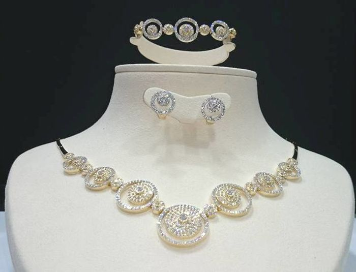 14 kt gold set with zircon ***Wedding Style***