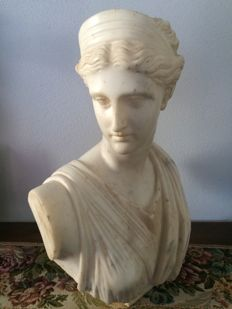 "Marble sculpture, ""Bust of Diana of Versailles"" - Italy - late 19th century"