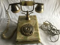 Decorative marble/onyx telephone with gilded dial/receiver - in very good condition