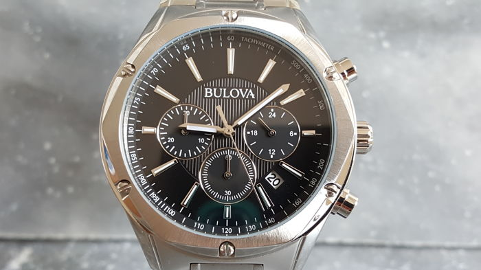 Bulova chrongraph – men's wristwatch - unworn - 2017.
