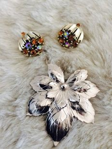 Vintage 2 pieces  ''Lisner'' & ''Sarah Coventry'' brooch/earrings