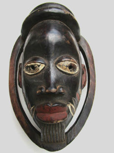 very old facial mask IBIBIO Nigeria