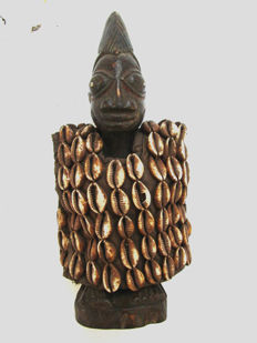 Figurine of twins IBEDJI or IBEJI - Nigeria