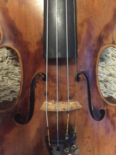 Very good and old violin!