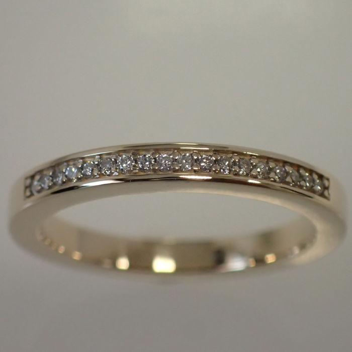 Gold women's ring with diamonds – 16.5 mm / ring size 52