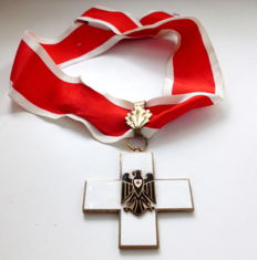 German Red Cross 1st Class on a collar