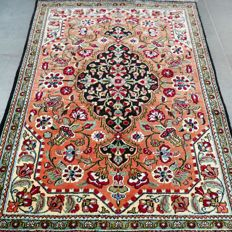 Gorgeous silk Persian Ghom rug, with certificate, 1,000,000 knots per m²