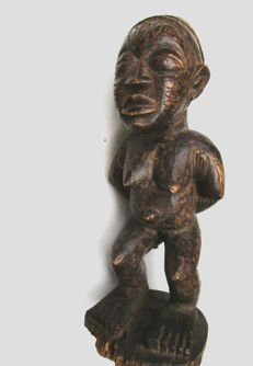 Large statuary of Queen BANGWA - BAMILÉKÉ - Cameroon