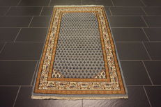 Beautiful hand-knotted oriental carpet, Sarough Mir, 95 x 165 cm, made in India, end of the 20th century