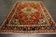 Rare, beautiful semi-antique hand-knotted Persian carpet, Bidjar, natural dyes, 110 x 150 cm