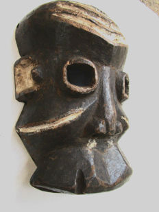 very old sick mask PENDE - Congo